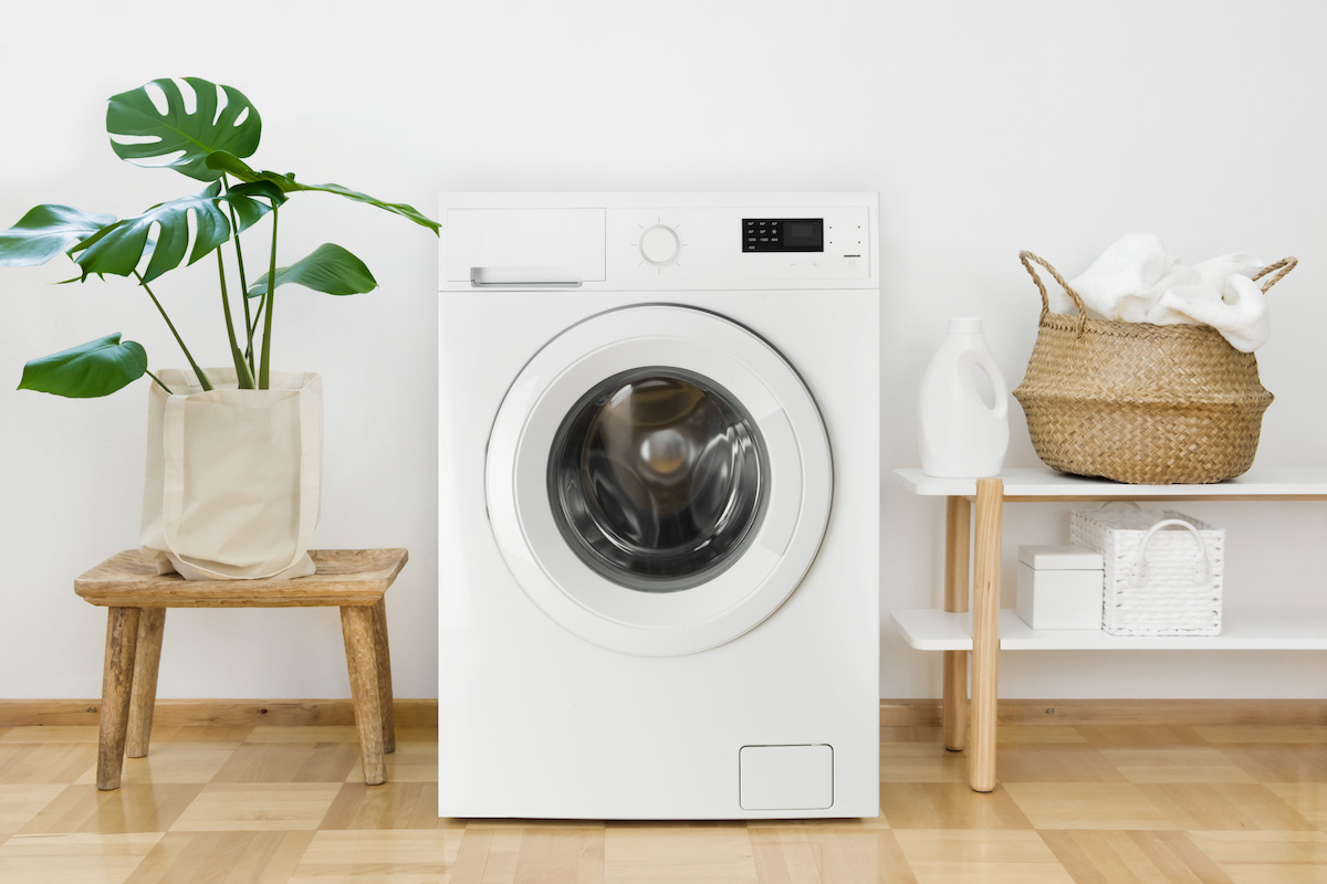 Tips to help you look after your clothes when cleaning them