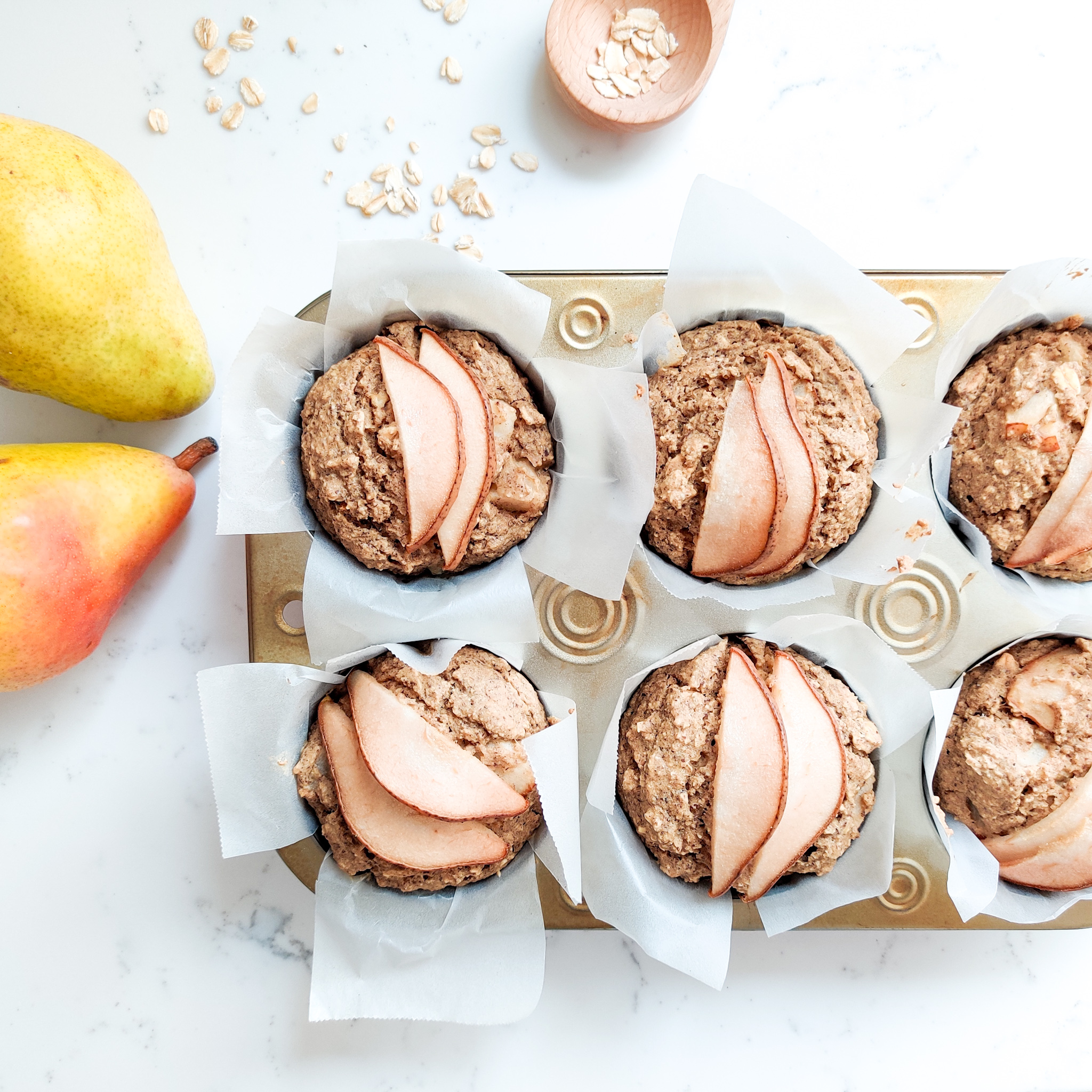 CInnamon and Pear Oatmeal Muffins