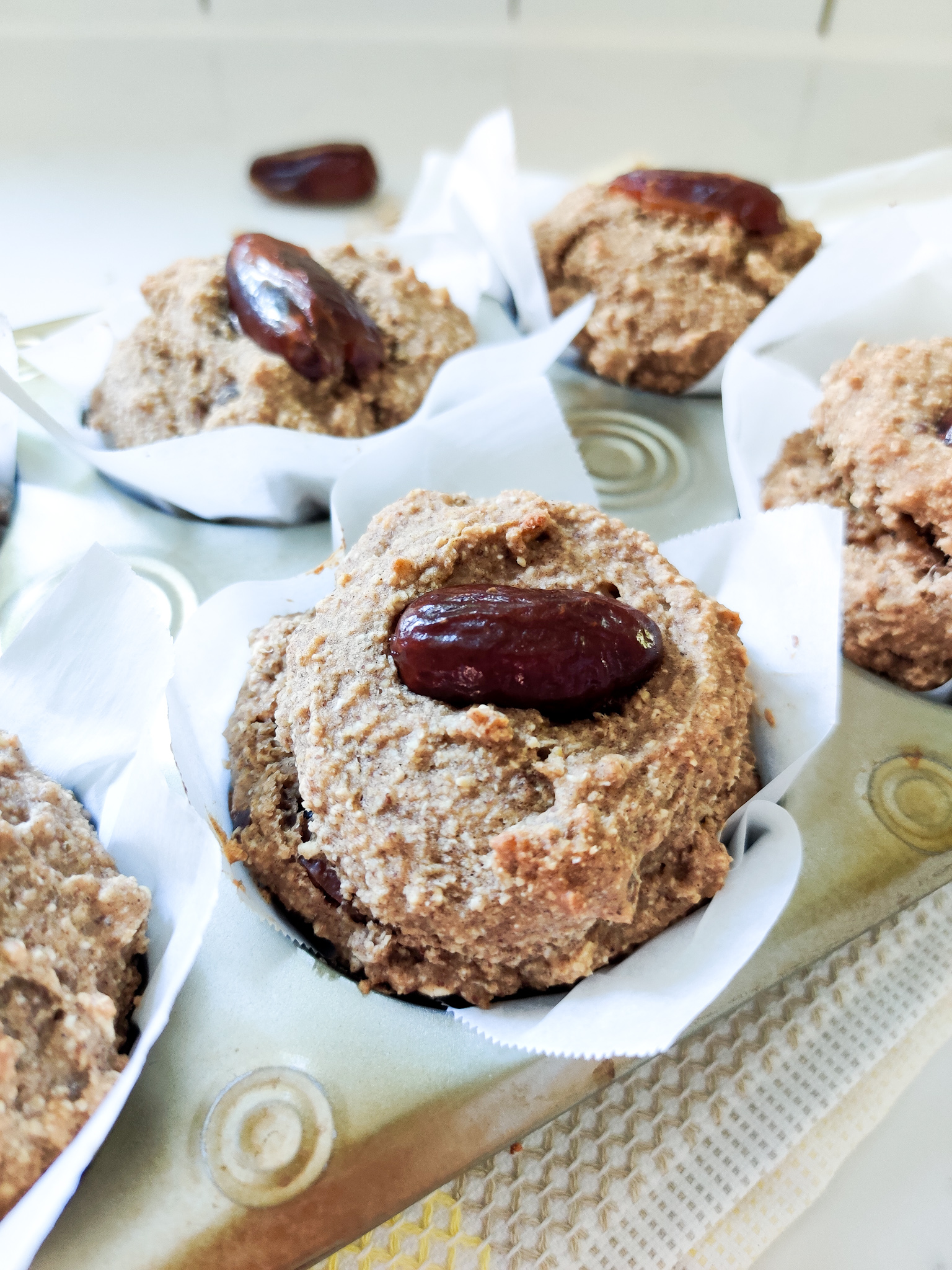 Apple Sauce and Date Muffins